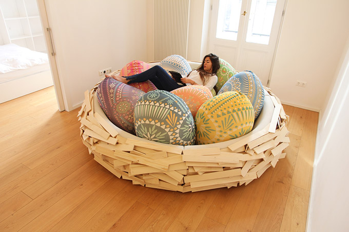 Giant-Birdsnest-Humans-Filled-With-Giant-Egg-3
